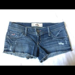 Hollister low rise shorts size 26